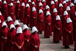 The handmaid's tale, dystopie patriarcale