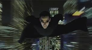 Neo vole dans Matrix
