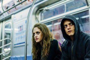 Elliot et Darlene dans le métro