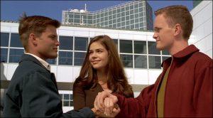 Johnny, Carl et Carmen à la sortie de l'école